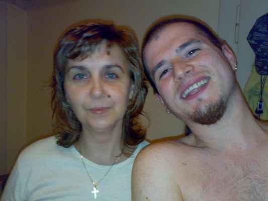 LasardoPictures ™2009 - Gabi&Dodi(Já)• Léta Páně 19.5.2009• 10/11  * Dne:19.05.2009/21:17:28 hod./Dvořáková,1 byt. ★Foto:Tamáš.D'J©LasardoPictures•JT81 * Fotoaparát:Nokia N73. #selfie #selfíčko Já selficko dělal již v r.1994 na fotoaparát Minolta a to jsem ještě nevěděl,že něco jako selfie existuje. Tohle Selficko je z r.2009.  19052009753.jpg | fotoaparát: Nokia, N73 | datum: 19.05.2009 21:17:28 | čas: 1/10 s | clona: F2.8 | ohnisko: 5.6 mm | ISO: 200  Nahrané z WiFi v OC Plaza Plzeň dne 31.5.2018.