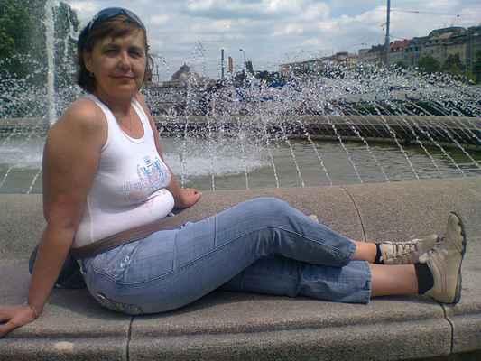 LasardoPictures 2012 - Gabika u fontány•Sady/Plzeň•2012|2'•9 f.️ #MULT * Dne: 27.06.2012|14:56:52 hod.,|Středa/Plzeň. * Fotograf: D'J.Tamáš •  LasardoPictures Foto  * Fotoaparát: Nokia C3-00 • #minulostRetrofoto 27.06.12-Zapadoč.Muzem-Plzen Fontana pre Gabrielu-Streda-DLD.jpg | fotoaparát: Nokia, C3-00 | datum: 27.06.2012 14:56:52 #lasardoPictures WiFi od nevinny-bar DJKTlplzeň dne 12.10.2018.