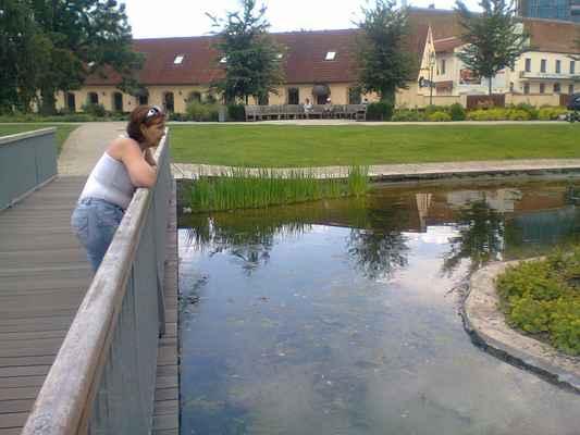 LasardoPictures 2012 - Gábika|Mlýnská strouha/Plzeň•2012|6'•9 f.️ * Dne: 27.06.2012|15:08:04  hod.,|Středa/Plzeň. * Fotograf: D'J.Tamáš •  LasardoPictures   * Fotoaparát: Nokia C3-00 • #minulostRetrofoto 27.6.2012-U zvonu-gabika-plzen-DLD.jpg | fotoaparát: Nokia, C3-00 | datum: 27.06.2012 15:08:04 WiFi od nevinny-bar DJKTlplzeň dne 15.10.2018.