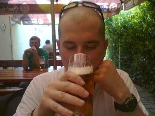 Thestigma21 • 2012 - Dodi a pivo v Plzni•2012|13f *14 f.️ #Mult * Dne: 29.06.2012|16:00:22 hod.,|Plzeň.   * Fotograf: Gabika.Č. • TheStigma21      * Fotoaparát: Nokia C3-00 29.06.12-Dodi-Sport Bar Čechovka(16-00).jpg | fotoaparát: Nokia, C3-00 | datum: 29.06.2012 16:00:22 WiFi od McDonald's v Tesco Rokycanská v Plzni dne 25.10.2018. ( čtvrtek)