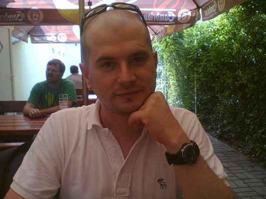 Thestigma21 • 2012 - Dodi(Já)v Sport Bar Čechovka•2012|14 f * 14 f.️ * Dne: 29.06.2012|16:00:44 hod.,|Plzeň.   * Fotograf: Gabika.Č. • TheStigma21      * Fotoaparát: Nokia C3-00 • #MinulostRetrofoto 29.06.12-Dody-Sport Bar Čechovka(16-00).jpg | fotoaparát: Nokia, C3-00 | datum: 29.06.2012 16:00:44 WiFi od McDonald's v Tesco Rokycanská v Plzni dne 25.10.2018. ( čtvrtek ) szia & ahoj # čus .