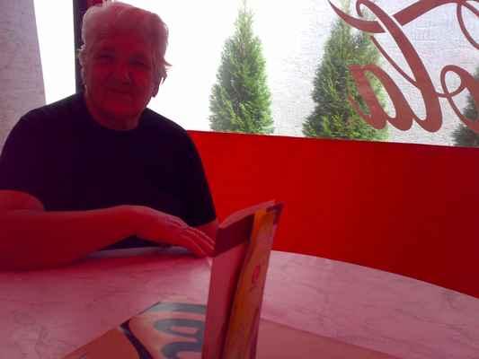 Starka 6.8.2008 v restauraci v Lučenci/Foto jt81/lasardoPictures - Starka 6.7.2008. LasardoPictures ® jt81 © J.TAMAS LUCENEC