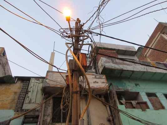 Elektrické vedení - noční můra všech elektrikářů.
