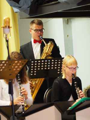 Na saxofon Marek Polášek.