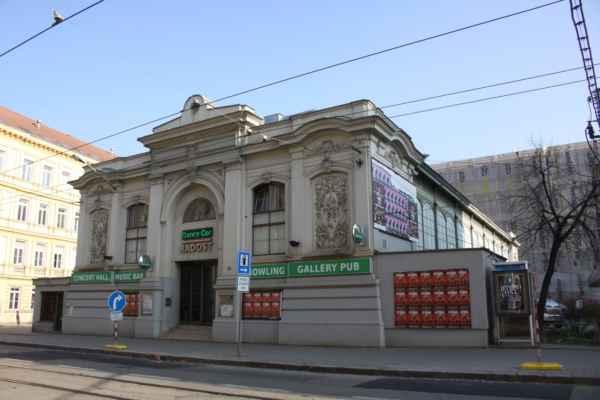 Dnešní hudební klub Radost v ulici Cejl se nachází v budově, která je věrnou kopií tržnice v chorvatské Rijece.