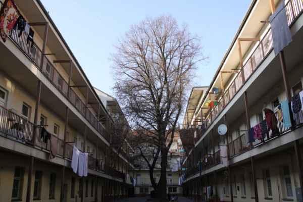 Pavlačové domy byly dříve v ulici Bratislavská obvyklé.