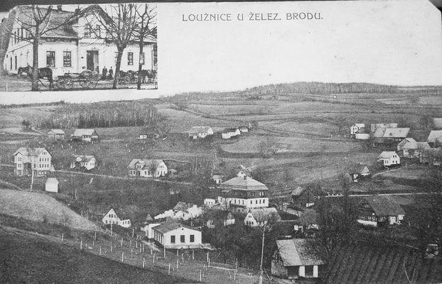 """pohled na Loužnici z Liškova pole, vpravo cesta """"Lacinka"""", Hnykova chalupa a nad ní starý dům Linků"""