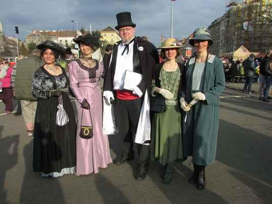 Moderátor v kostýmu - cena smluvní od 6000,- dle velikosti akce, počtu vstupů,...  (tel.: 777293392) cestovné 6,-/km z Prahy