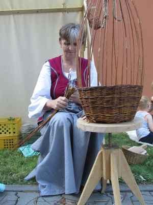 Košíkářka - Košíkář • ukázky pletení košíků - cena 2200,- plus doprava 6,-/km z Vlašimi nebo Mladé Vožice